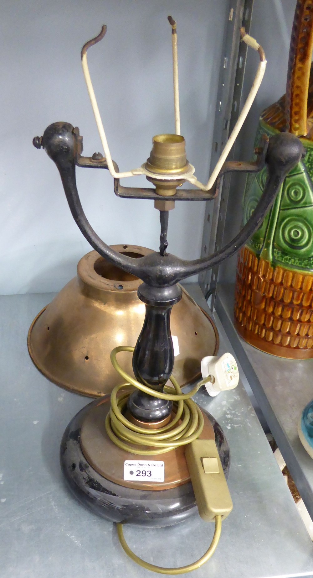Lot 293 - A VINTAGE DESK LAMP WITH COPPER BOWL SHADE
