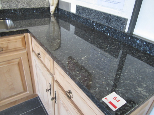 Lot 54 - L shape kitchen display comprising of 2 x double base units with 4 x false drawer fronts, Franke