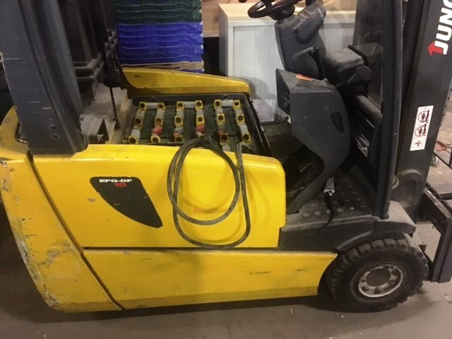 Jungheinrich EFG-DF 16 Electric Forklift w/ Charger - Image 2 of 3
