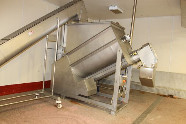 Lot 84 - Boldt Systems model BFSL5200 stainless steel single paddle bulk mixer with screw feed