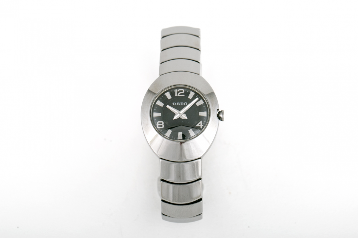 Lot 23 - RADO - AN 'OVATION' LADIES WATCH