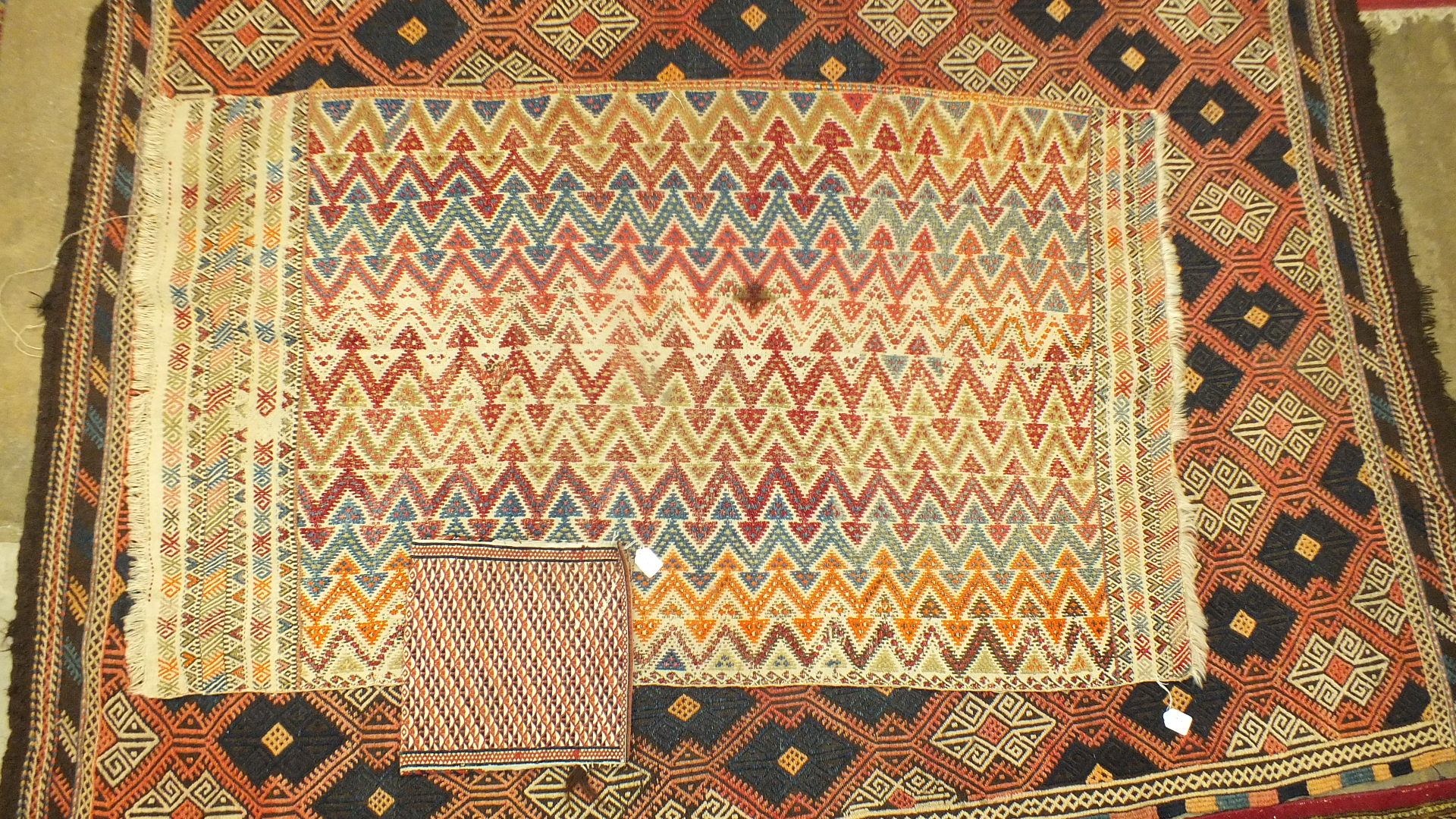 Three oriental rugs and a saddle bag (4). - Image 4 of 4