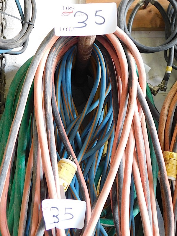Lot 35 - LOT OF EXTENSION CORDS