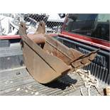 Bucket attachment. Size10x29 inches used on the CAT 420E and other equipment 3 tooth� Cucharon.Medid
