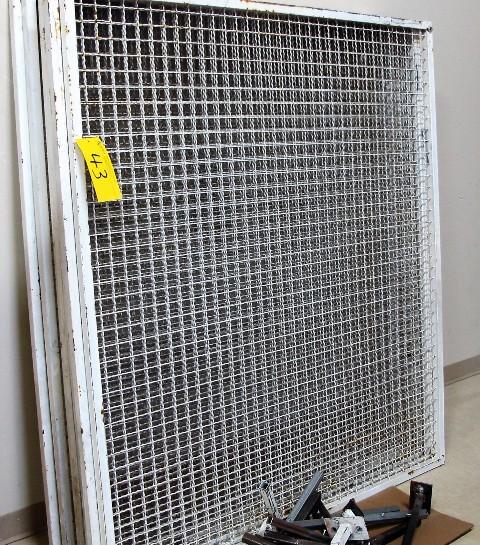 """Lot 43 - LOT OF 7 CAGE WINDOW DIVIDERS W/METAL FEET, 5'L X 57""""T X 1""""D"""