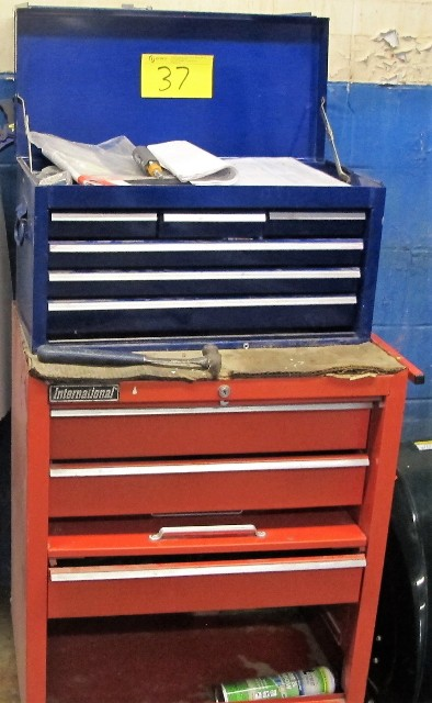 Lot 37 - LOT OF 2 INTERNATIONAL TOOL CHESTS W/CONTENTS