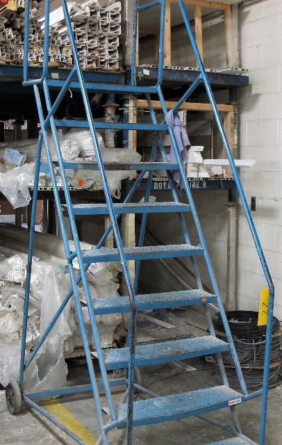 Lot 22 - CONWAY 9 STEP WAREHOUSE STAIR CASE