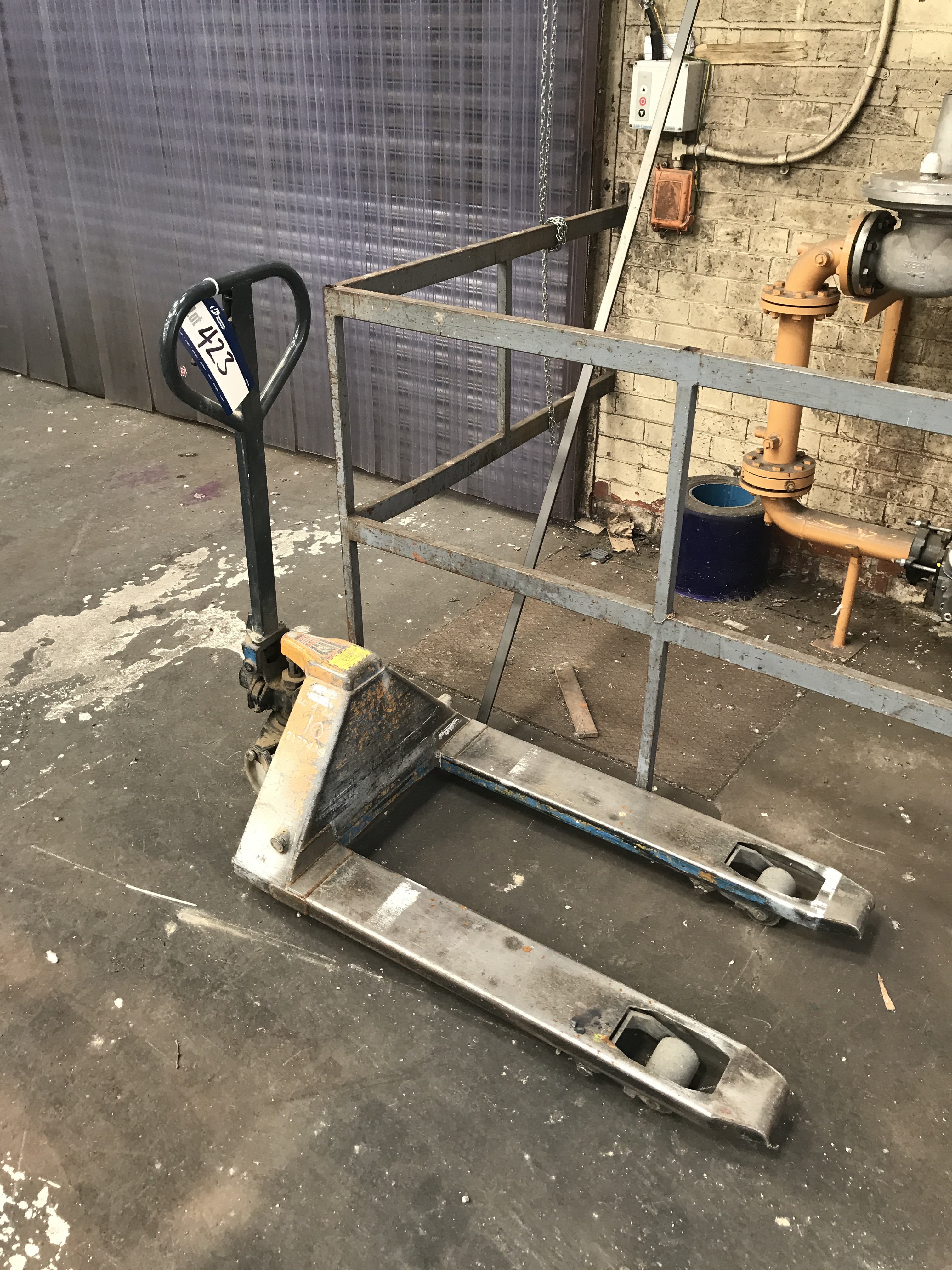 Hand Hydraulic Pallet Truck (please note - this lot is available for ...