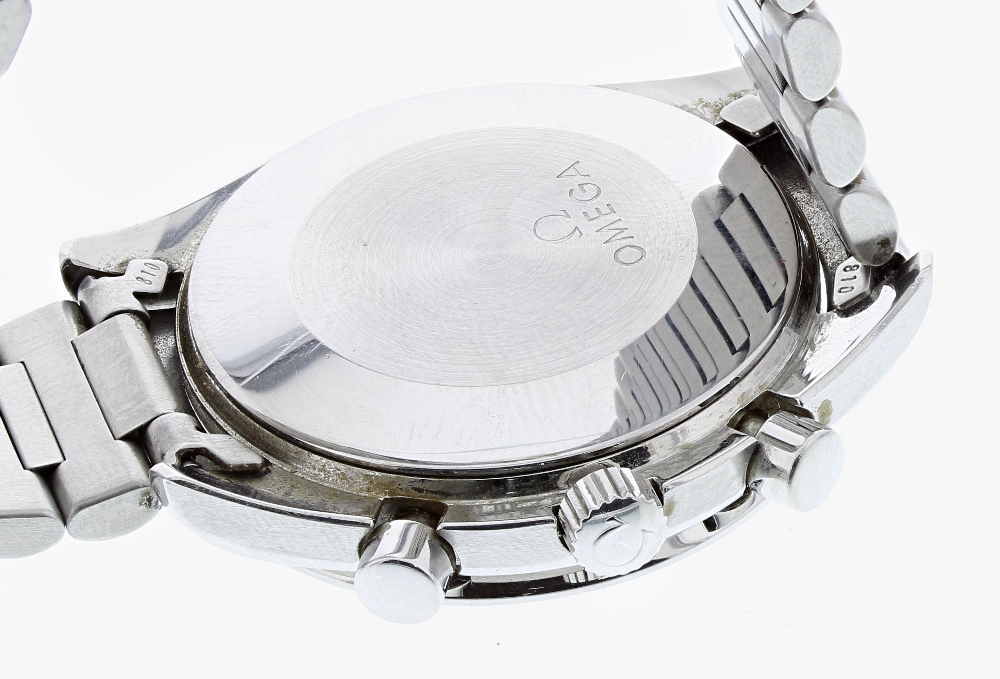 Lot 26 - Omega Speedmaster chronograph automatic stainless steel gentleman's bracelet watch, ref. ST 1750032,