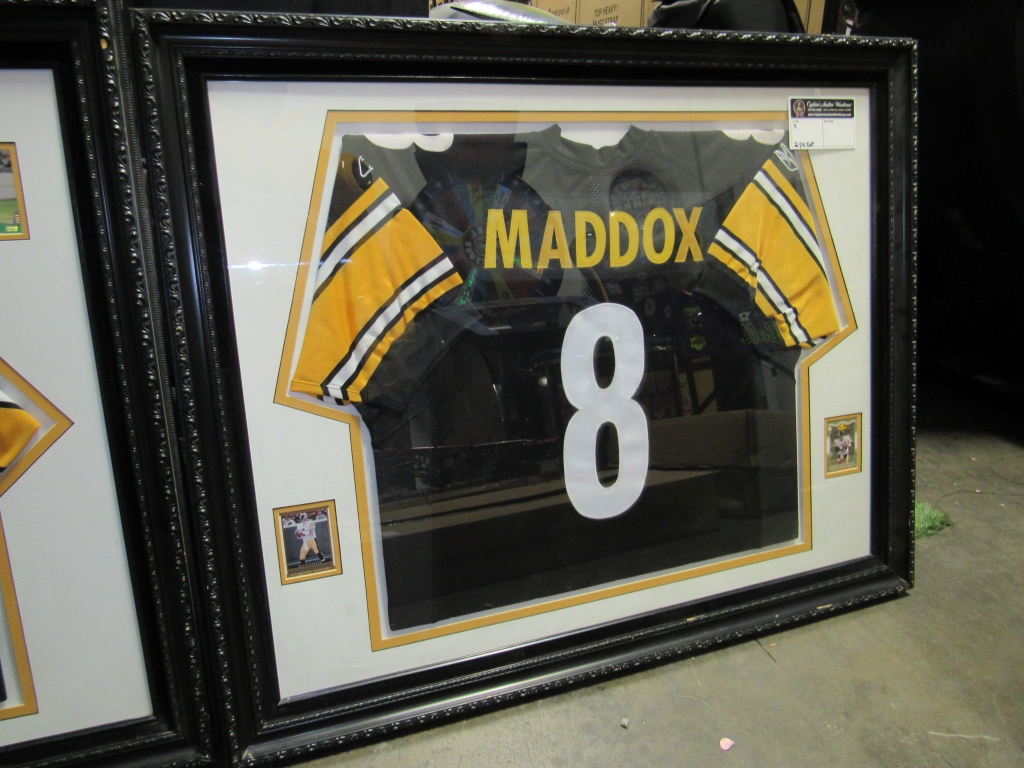 Lot 2038 - #8 TOMMY MADDOX NFL STEELERS JERSEY FRAMED