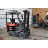 "TOYOTA ELECTRIC FORKLIFT, MODEL 7FBCU25, 6,000 LB CAP., 187"" TRIPLE STAGE LIFT, SIDE SHIFT, 60"""