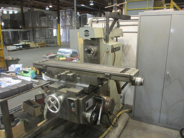Lot 40 - ELLIOT STURDIMILL 1250, HORIZONTAL MILL , W/ VERTICAL HEAD, 2 HP/440V (OFFSITE @ 1395 N. GRANDVIEW