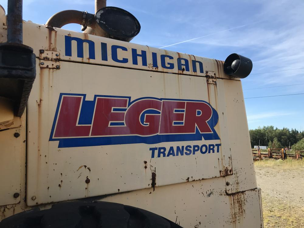 Lot 26 - 1975 Chargeur sur roues Michigan 125B, hres n/d, à inspecter #267 Série: 1480 papier INV. 11130