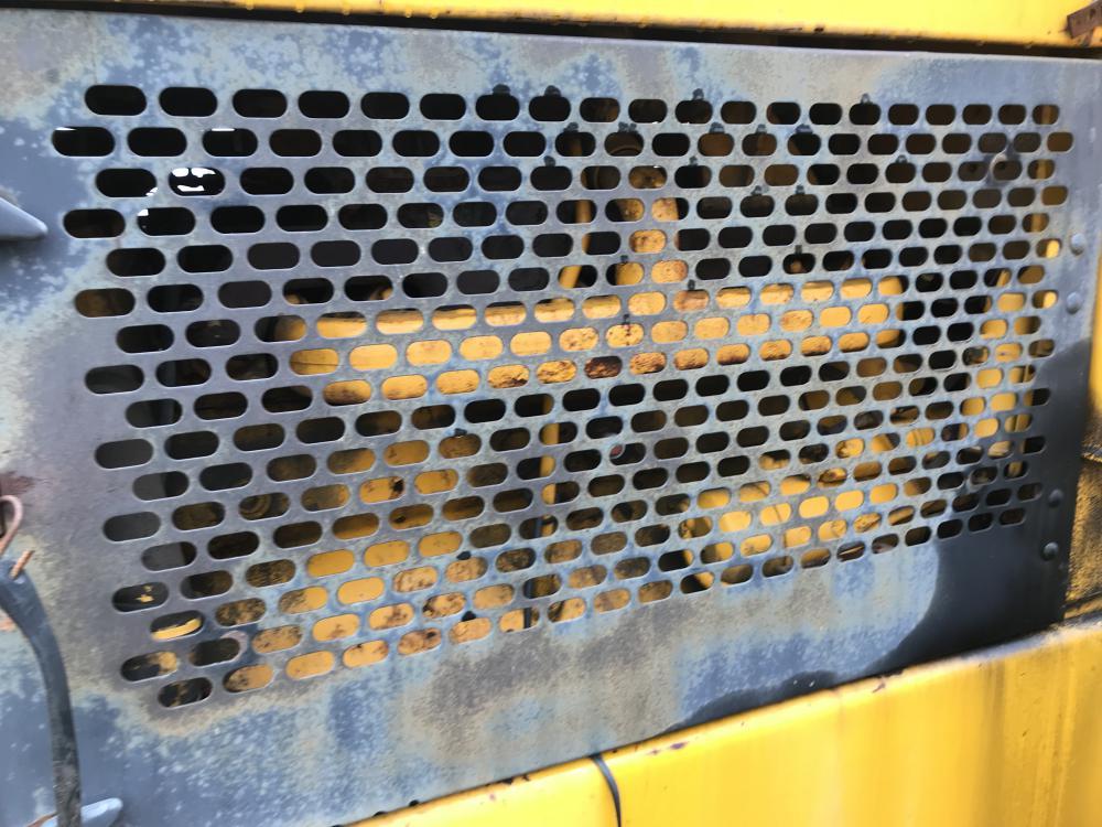 Lot 35 - 1975 Chargeur sur roues John Deere 644B, hres n/d, à inspecter, #255 Série: 0219616 papier en main