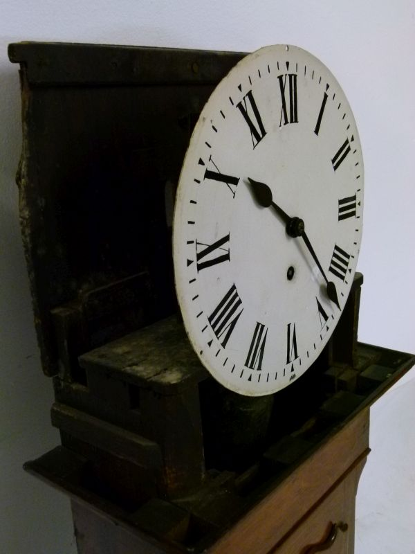 Lot 8 - Railway Interest - Late 19th Century oak-cased 'Act of Parliament'-style wall clock, the 12-inch