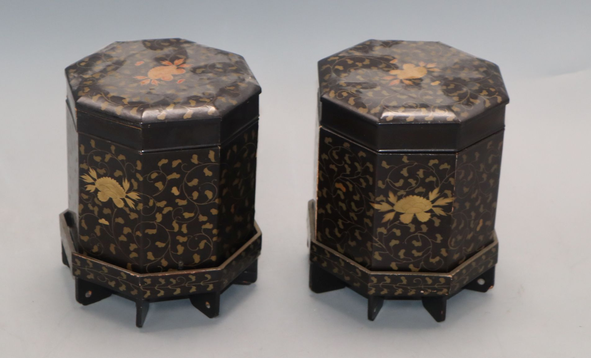 Lot 95 - A pair of Japanese lacquered boxes and covers