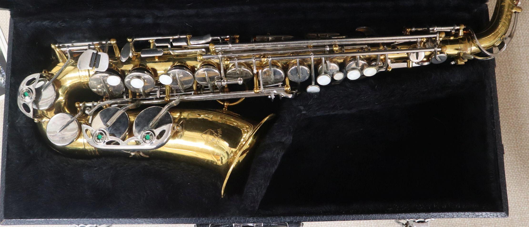 Lot 116 - A cased Bracon saxophone