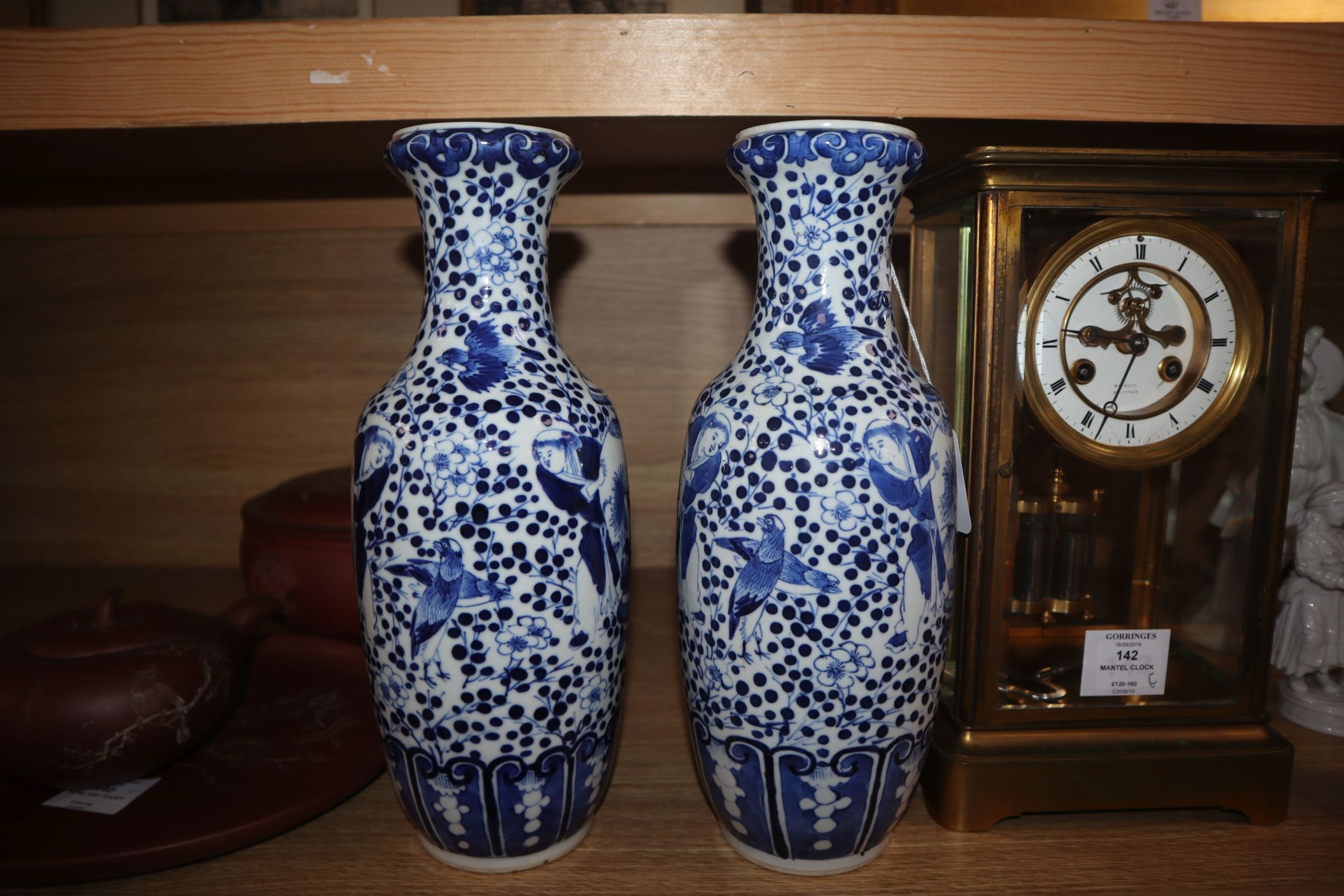 A pair of 19th century Chinese blue and white vases height 30cm - Image 3 of 7