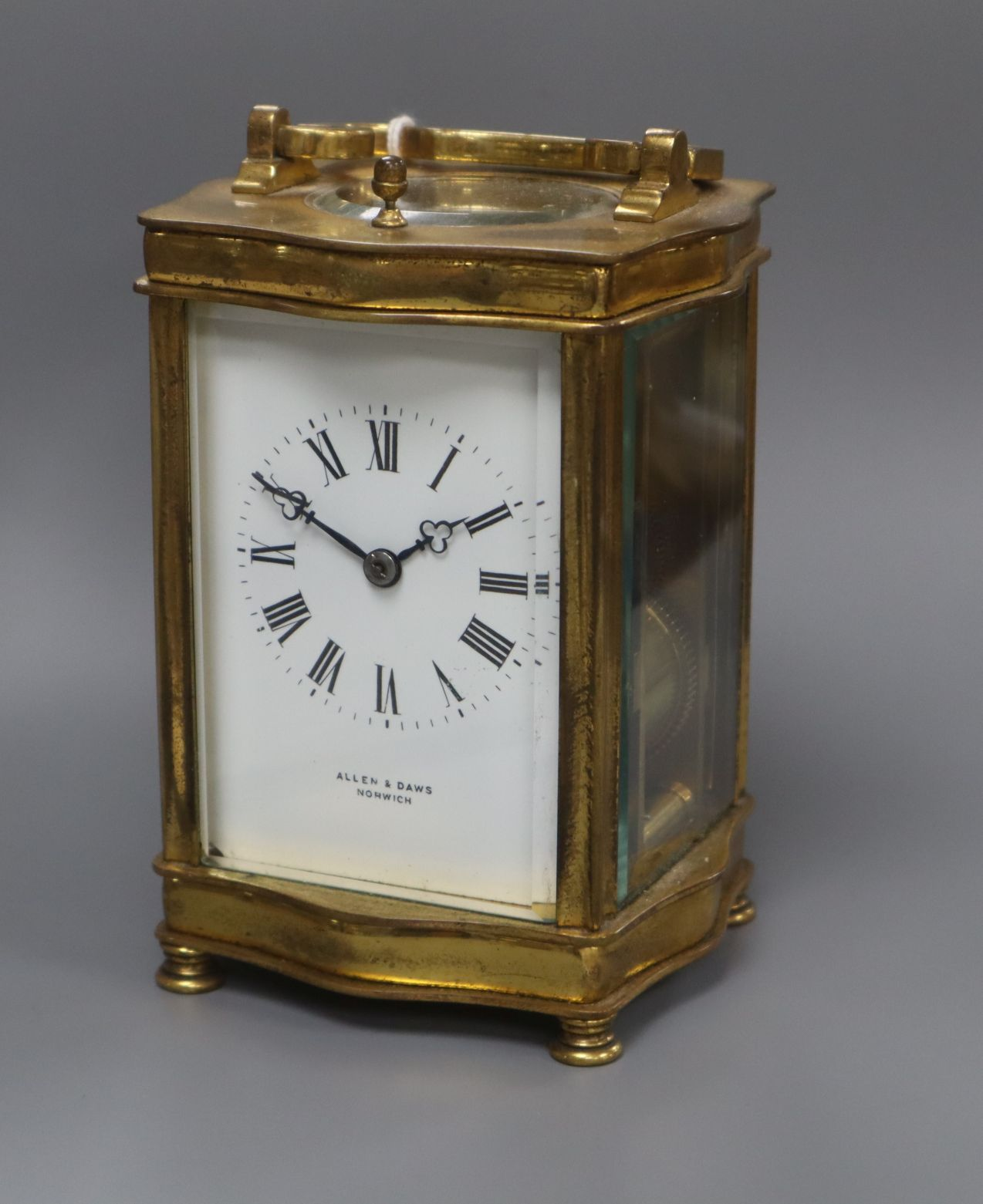 Lot 330 - A late 19th century French brass cased eight day repeating carriage clock, retailed by Allen and