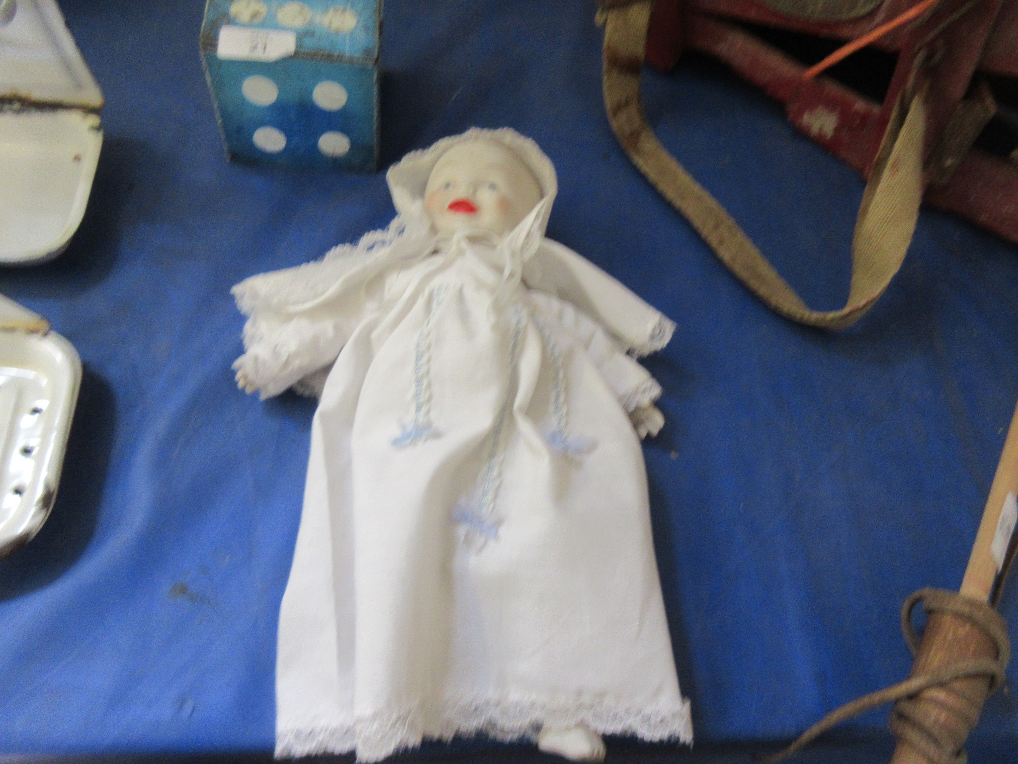Lot 22 - Early to mid 20th century china doll
