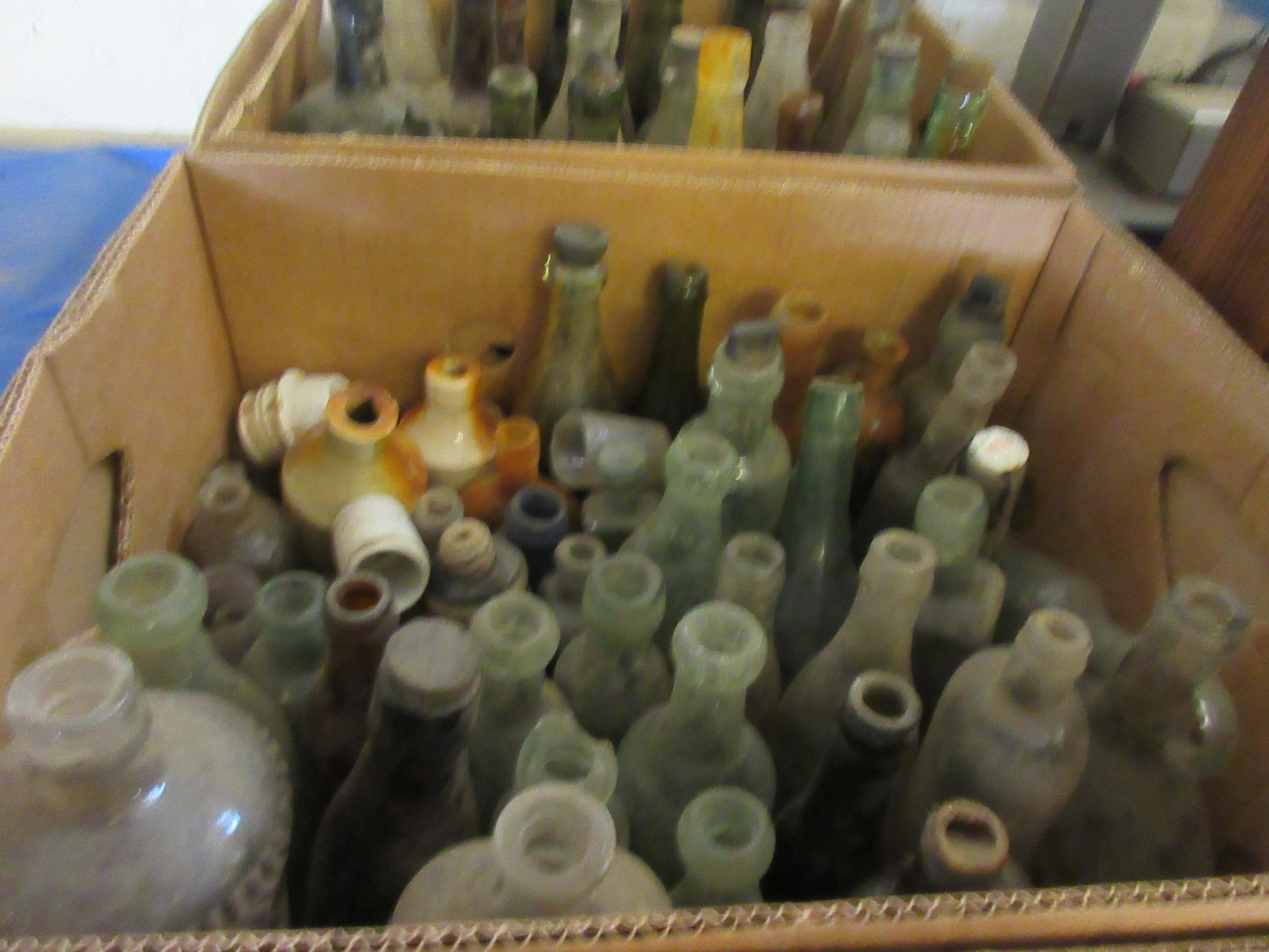 Box: qty various vintage Bottles