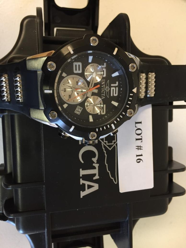 Lot 16 - Invicta Men's Watch