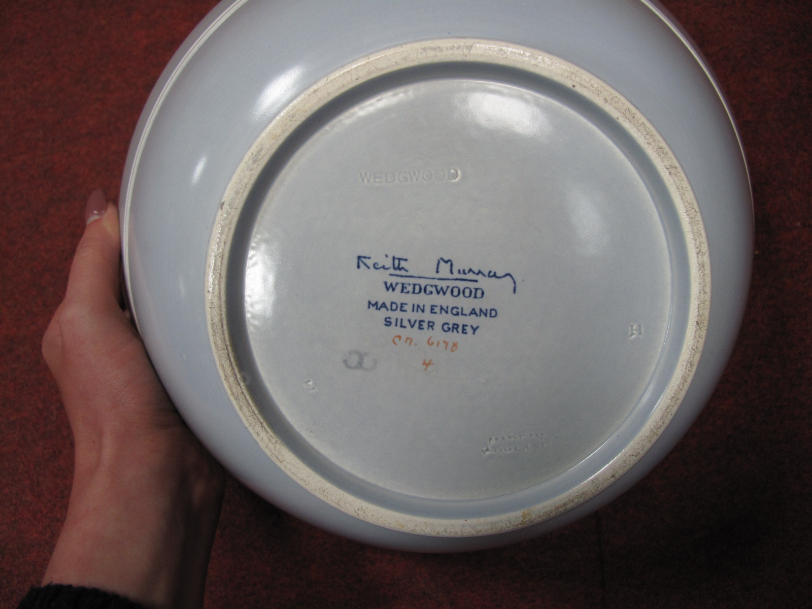 Lot 1019 - A Wedgwood Keith Murray 'Silver Grey' Pottery Bowl, with silvery bands 0.3 and 0.7cm to upper