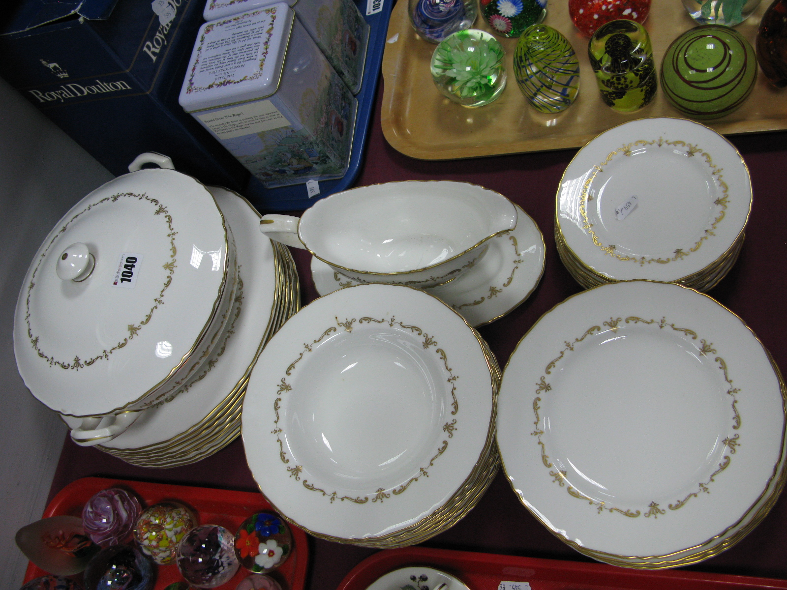 Lot 1040 - A Modern Royal Worcester Porcelain Dinner Service in the 'Gold Chantilly' Pattern, each piece with