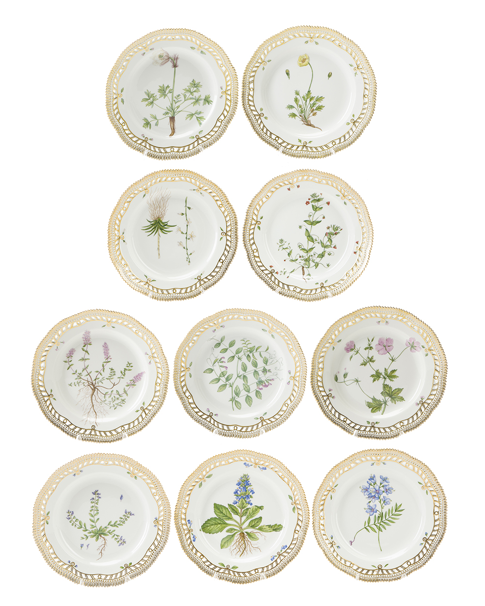 "Lot 7 - Ten Royal Copenhagen ""Flora Danica"" dinner plates"