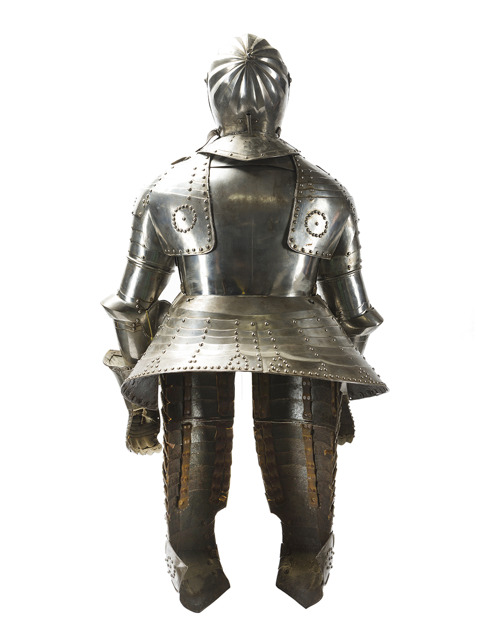 Lot 33 - A Continental cuirassier suit of armor