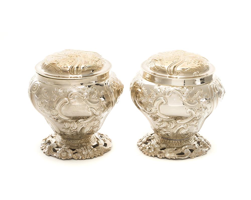 Lot 42 - A pair of English George III cased tea caddies