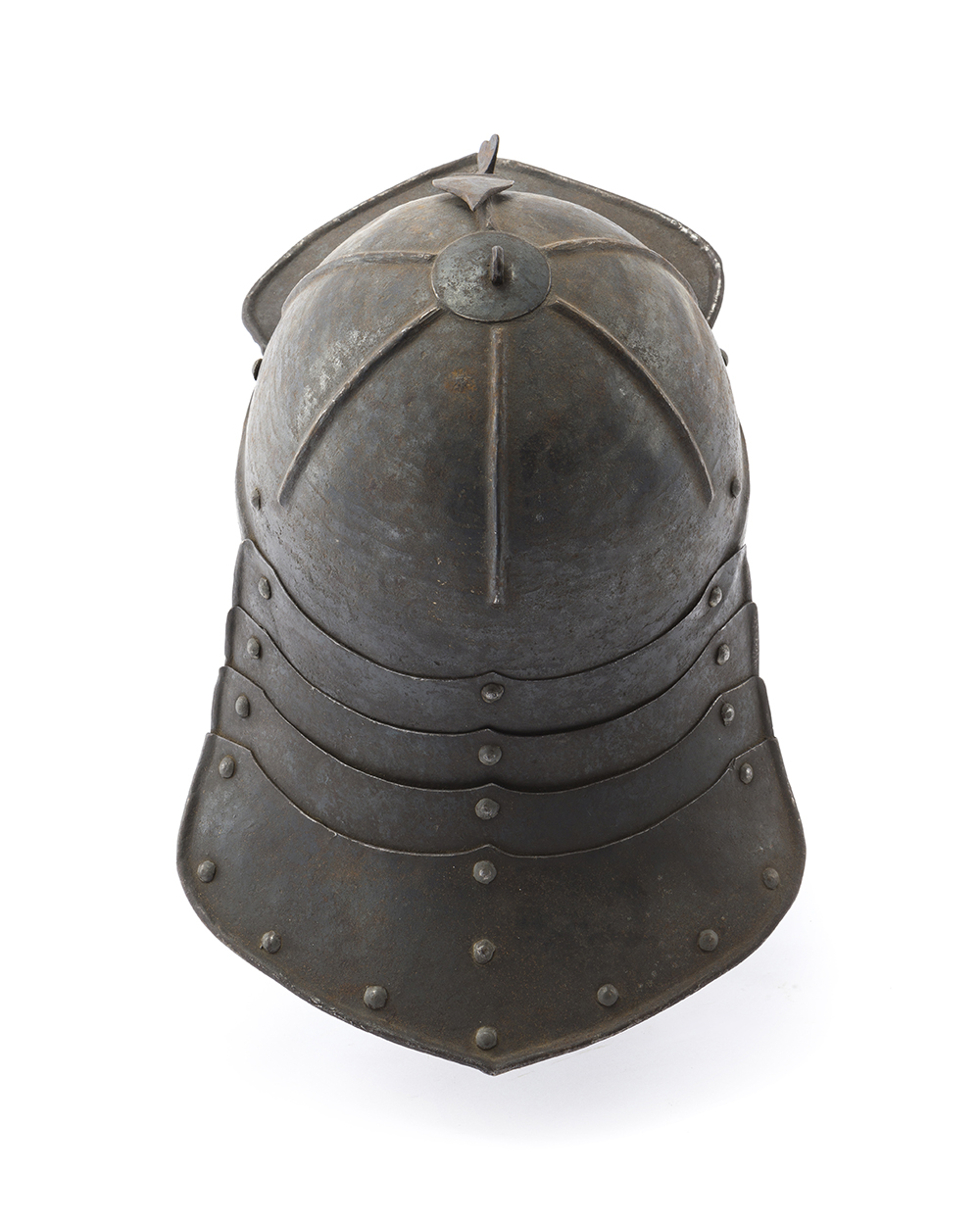 "Lot 31 - A Continental armored ""pappenheimer"" helmet"