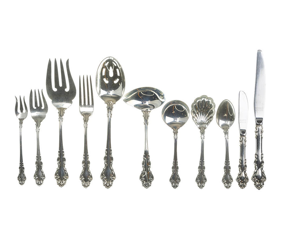 "Lot 4 - A Reed & Barton ""Spanish Baroque"" sterling silver flatware service"