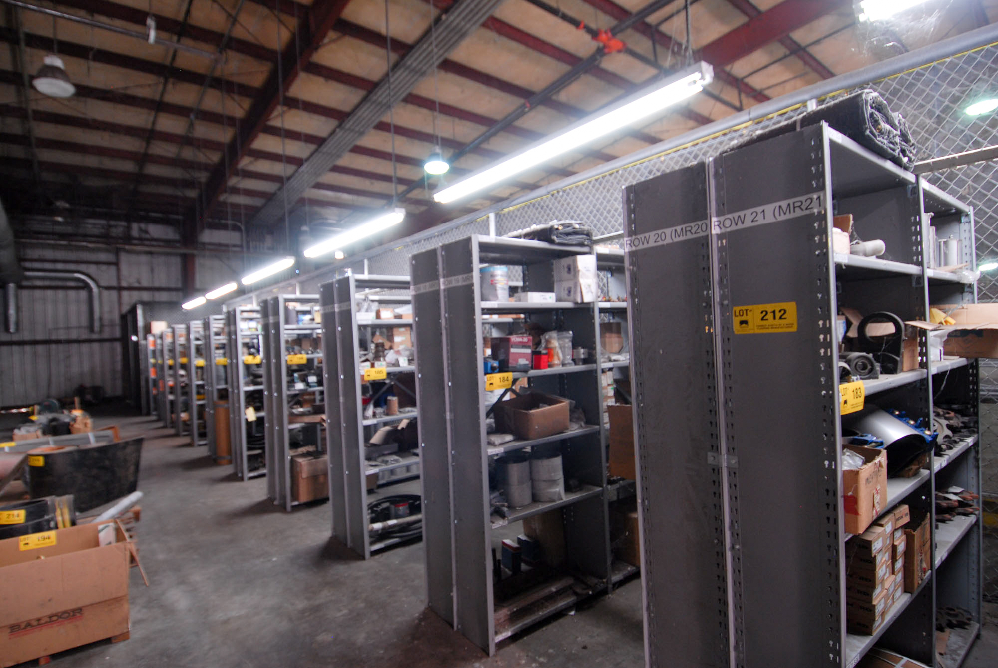 Lot 212 - LOT/ 22 SECTIONS OF METAL SHELVING