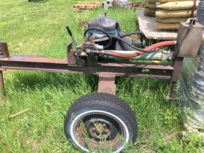 Lot 8 - Hyd. wood slitter on trailer