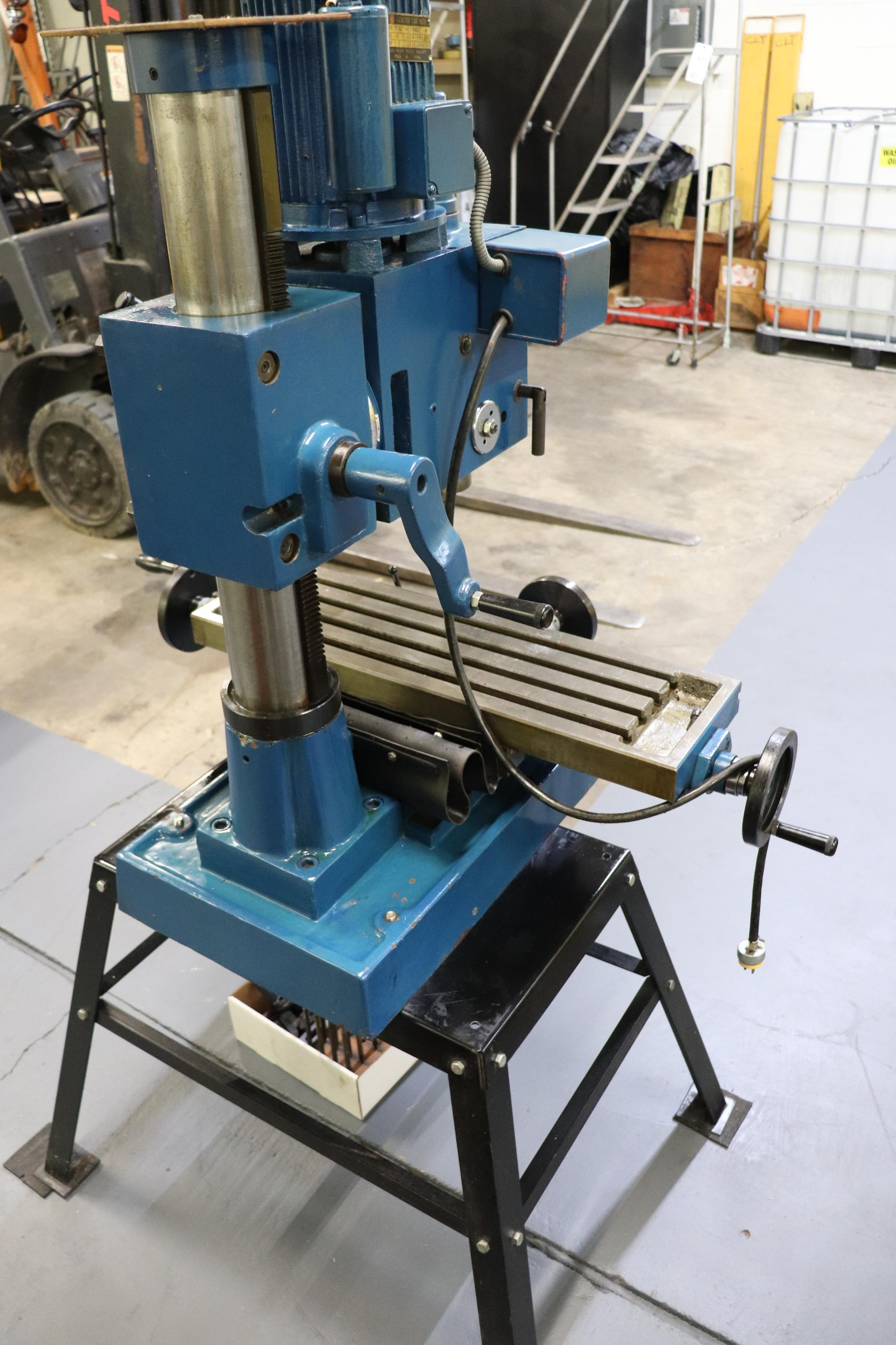 Motor-Car Gear Factory ZX-28 vertical milling machine - Image 5 of 7