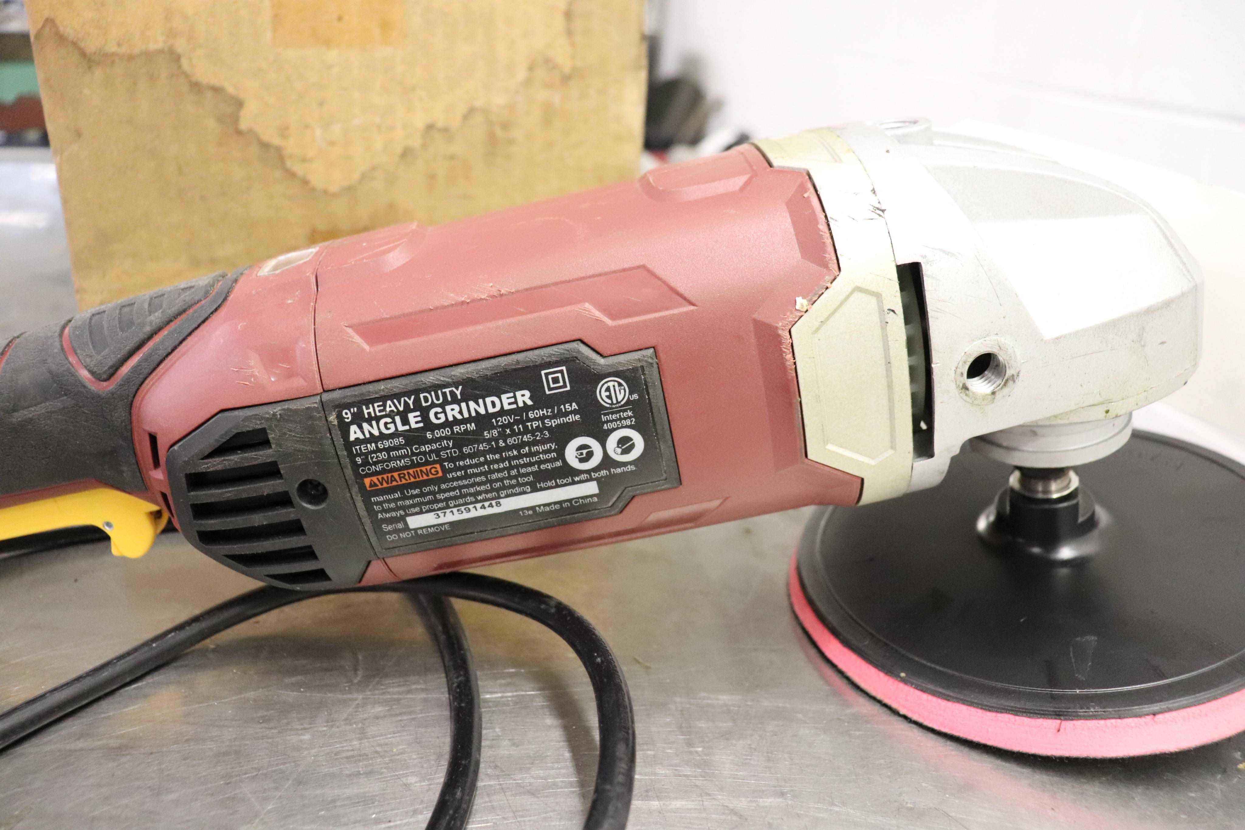 """9"""" angle grinder & accessories - Image 2 of 3"""
