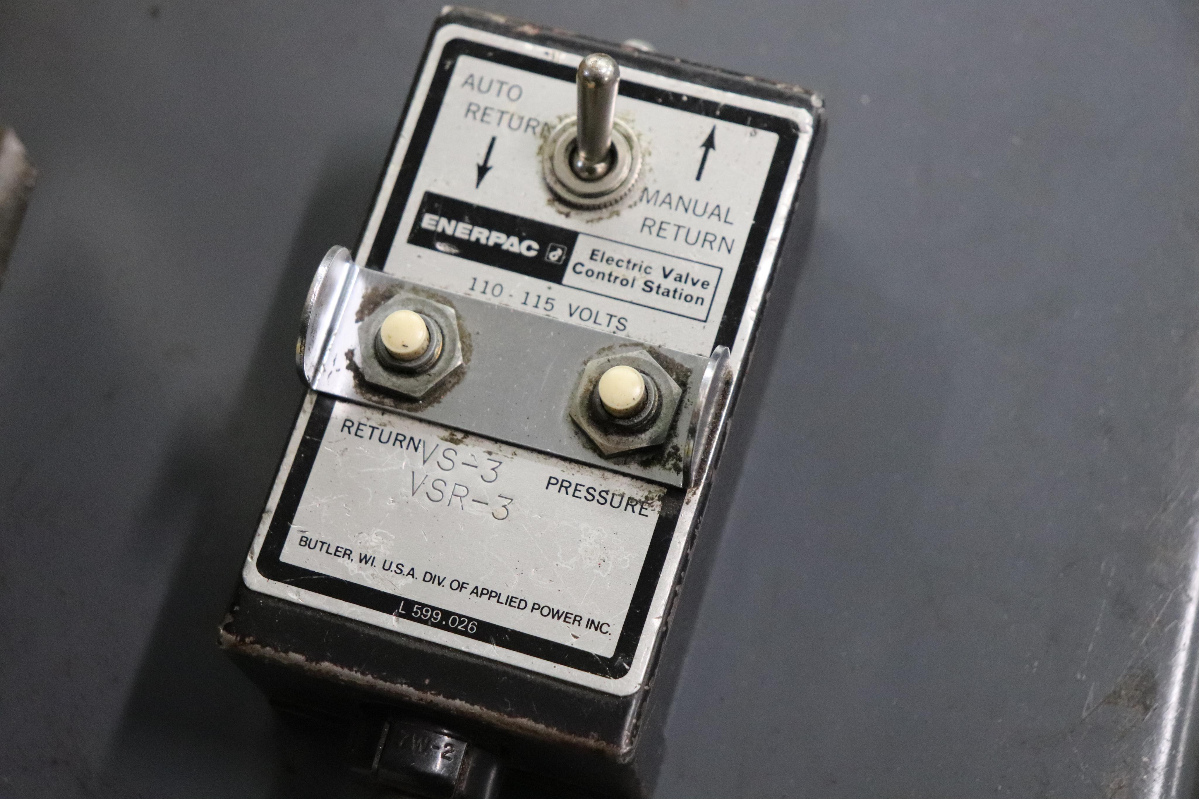 Enerpac Hush pump w/ C frame press - Image 8 of 8