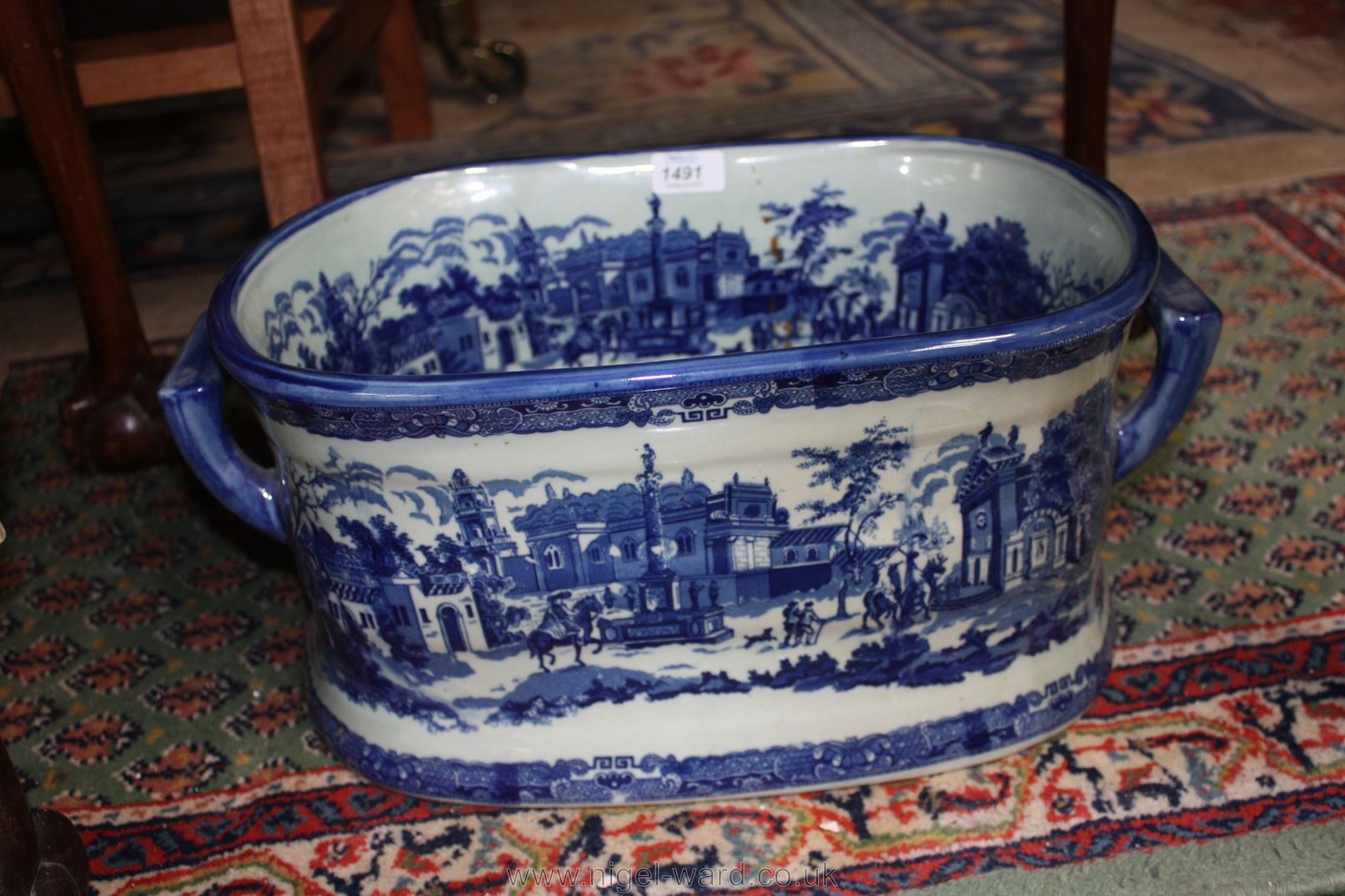 A large Victorian ware ironstone foot bath in blue and white. 16&#39 ...
