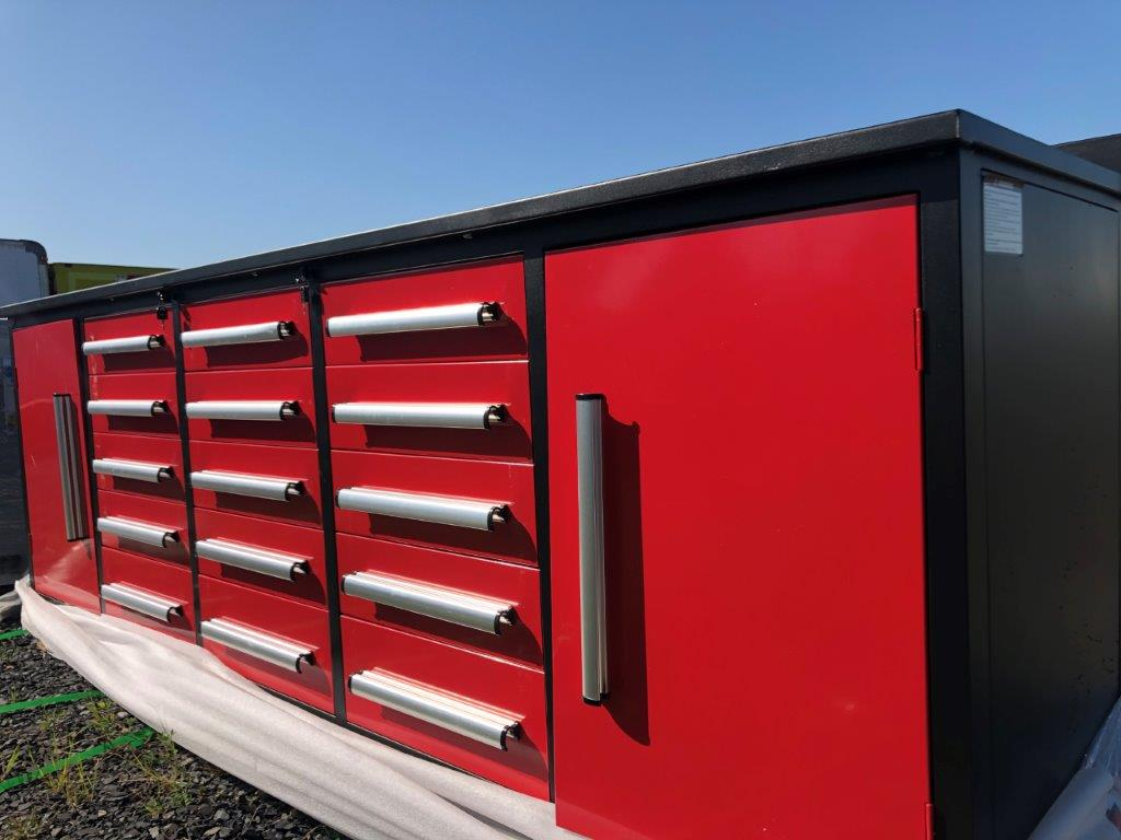 Lot 105 - STEELMAN Work Bench / 10FT-25D