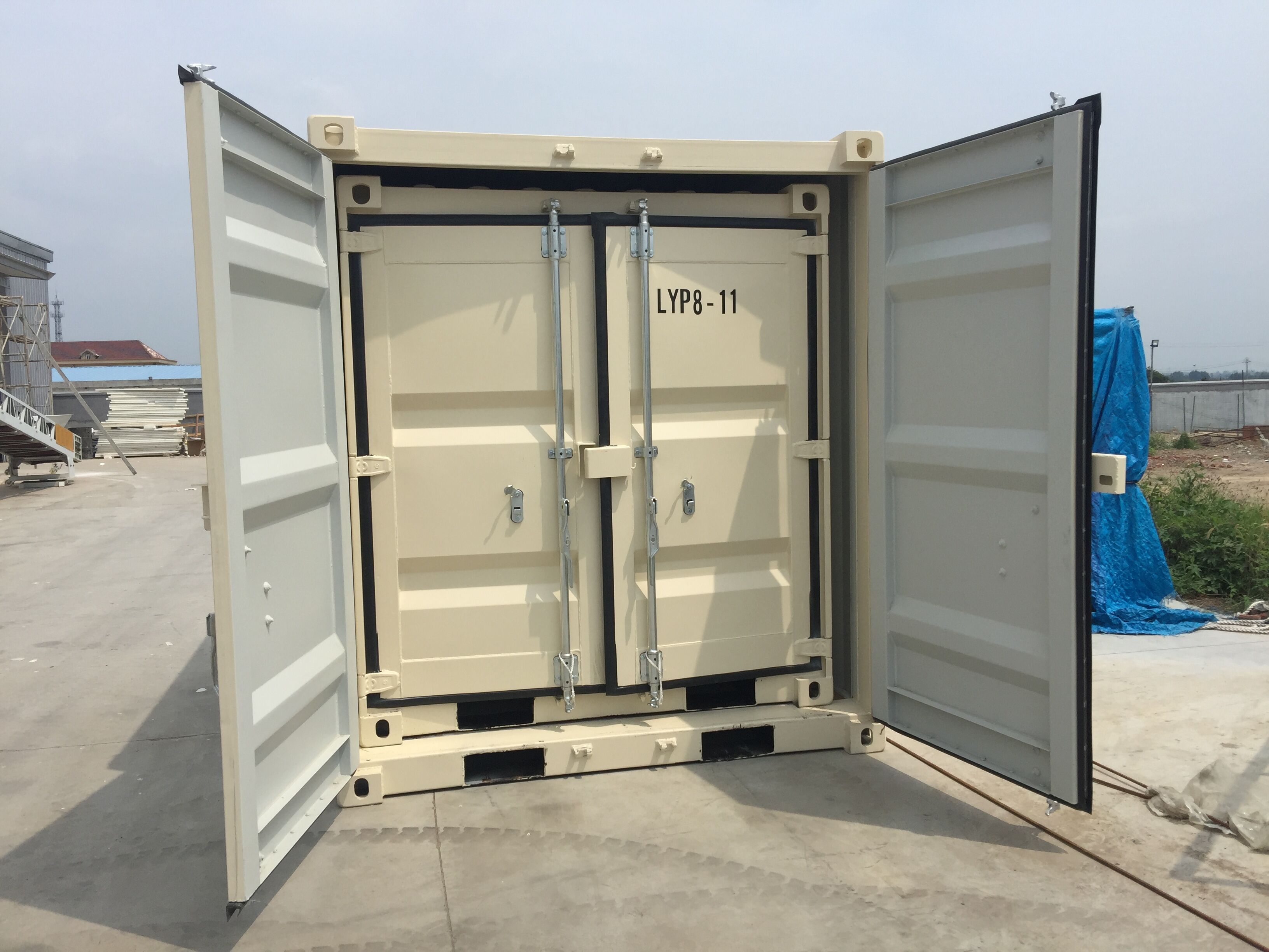 9' Small Container With Door & Window (9' x 7'3'' x 8'2''H) - Image 7 of 9