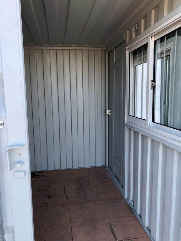 9' Small Container With Door & Window (9' x 7'3'' x 8'2''H) - Image 3 of 9