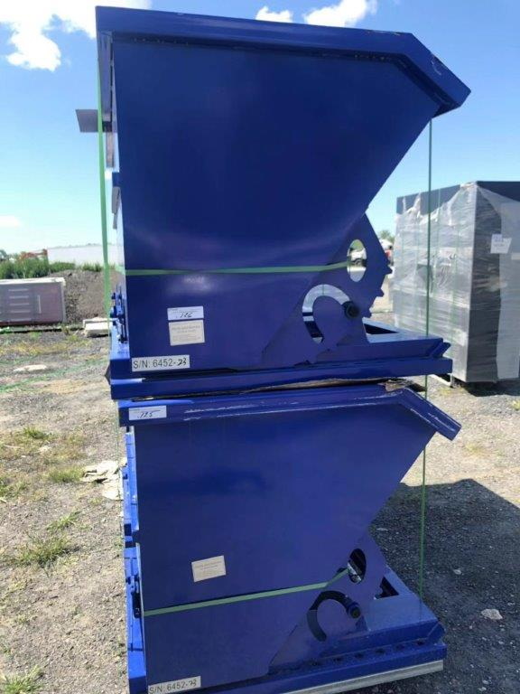 Lot 112 - GREATBEAR Self Dumping Hopper