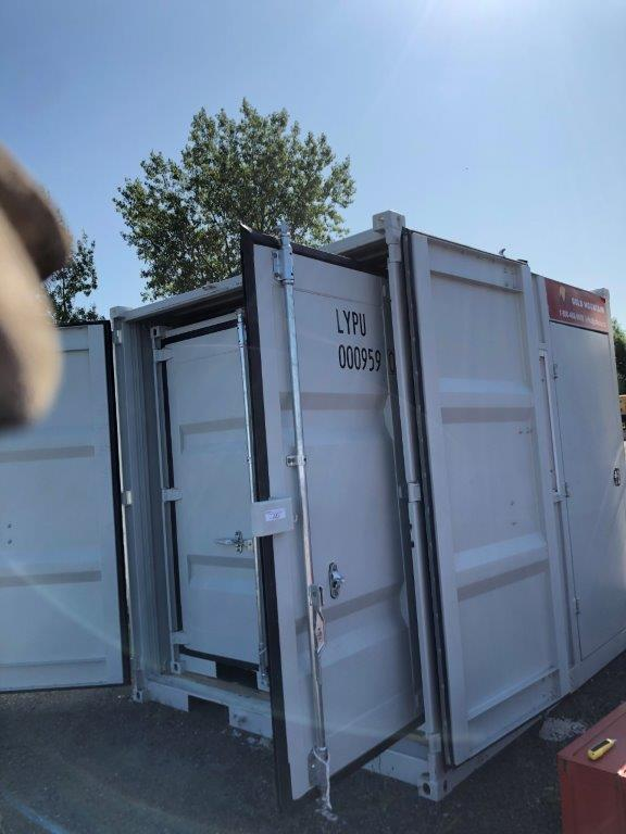 9' Small Container With Door & Window (9' x 7'3'' x 8'2''H) - Image 6 of 9