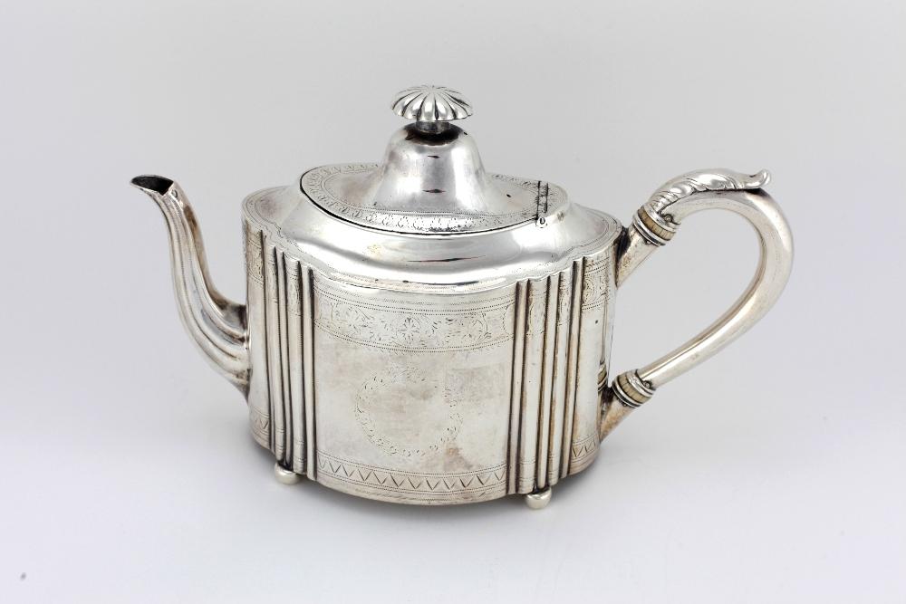 Lot 31 - A fine large Irish bright-cut silver Teapot, Dublin c.
