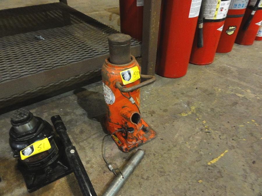 Lot 50 - 30 ton Hydraulic Jack