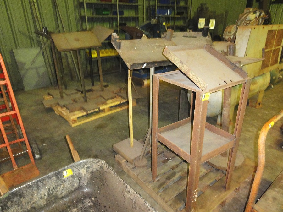 Lot 582 - Metal Drawing Stands