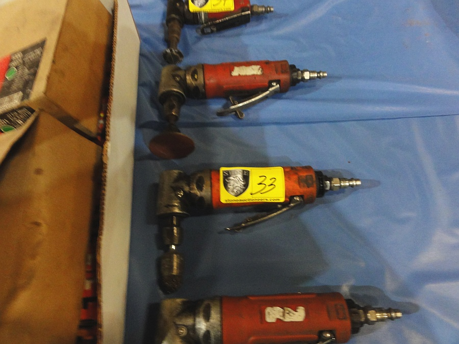 Lot 33 - Pneumatic Rt. Angle Grinders