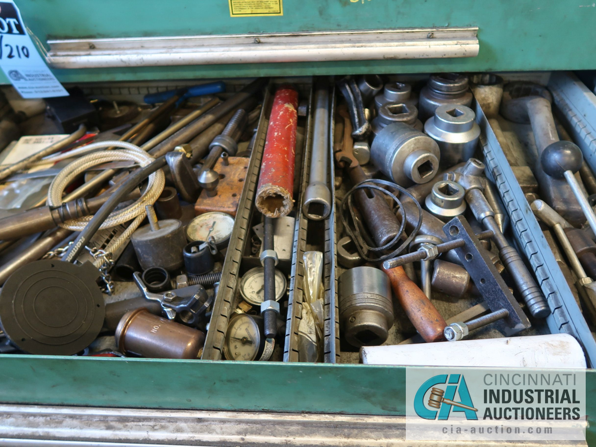 (LOT) CONTENTS OF MAINTENANCE ROOM, (10) CABINETS & SHELVES WITH BUILDING & MACHINE MAINTENANCE - Image 7 of 11