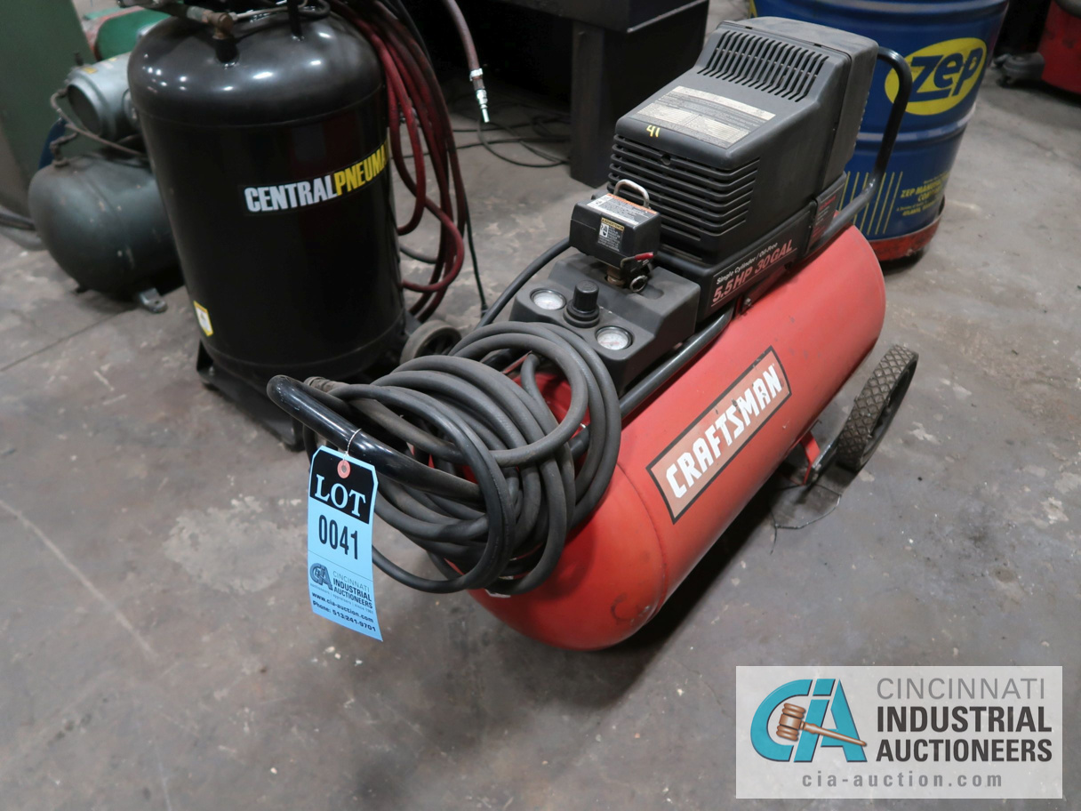 5.5 HP CRAFTSMAN HORIZONTAL TANK MOUNTED PORTABLE AIR COMPRESSOR, 30 GALLON TANK